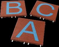 Płyty absorbujące z literami i cyframi